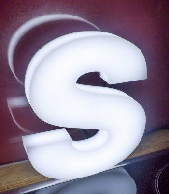 kraków litery podświetlane